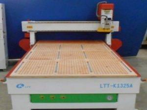 LTT-1325A Фрезерный станок с ЧПУ с вакуумным столом